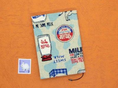 画像2: 罫線入り てのひらノート7.5×10.5 (やっぱ牛乳でしょ!)