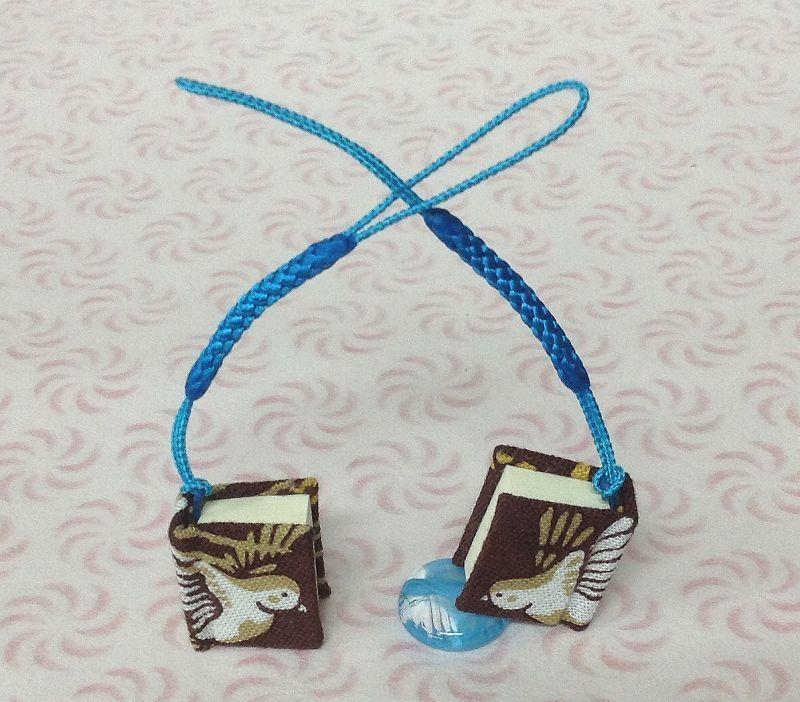 """""""青い、すずめ"""" 旅立ちのお守りストラップ 2cm×2,3cm100ペ-ジ ◎海文舎製"""