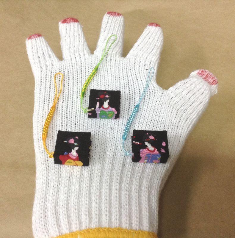 ◎ 京都舞妓さんの 「根付け=ストラップ=お守り」豆ノ-ト 2cm×2,3cm100ペ-ジ 京都海文舎の手製本