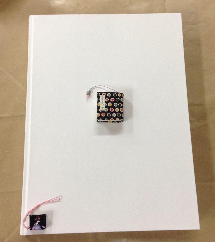 ◎白い本  ◎京都・海文舎印刷(株) ◎ハードカバ-手製本仕上げ