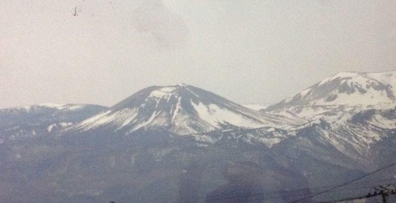 ◎福島県吾妻小富士に 『雪うさぎ』 熊さん便り
