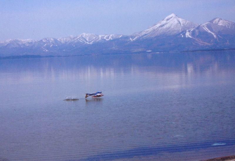 △雪の会津磐梯山 と 真っ青な猪苗代湖 △三春町の熊さん便り