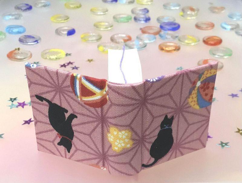 ##麻の葉紋様の超人気に驚き 『ひっくり返る猫ちゃん』 豆本のーと ◎京都手作りお散歩