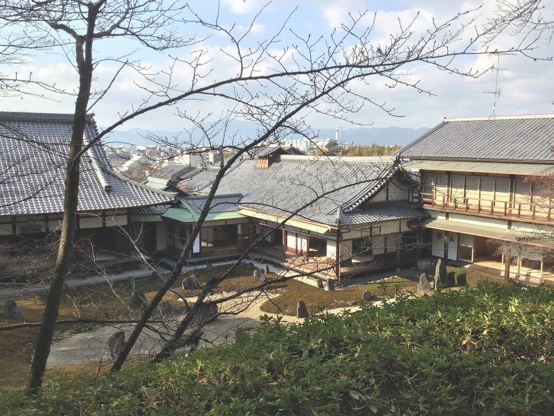 ◎京都タワ-が見える場所まで散歩
